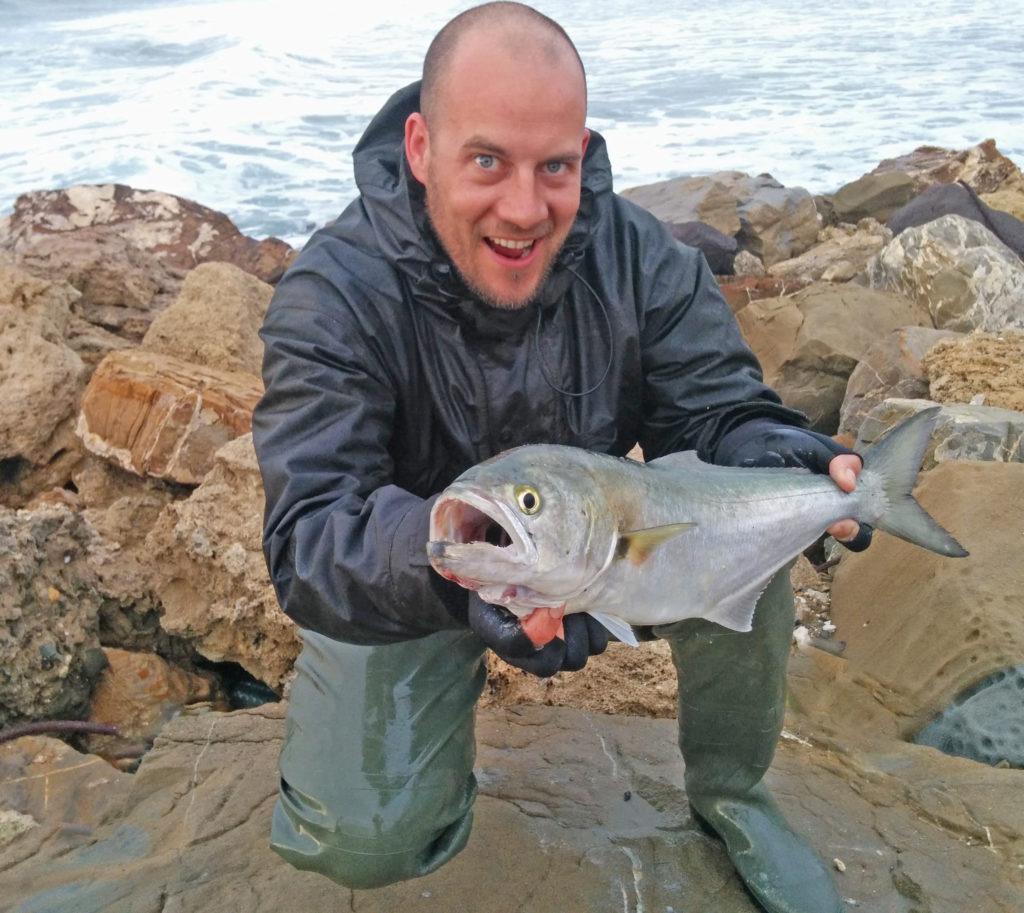 Pesce serra con mare in tempesta, esplosione su Seaspin Pro-Q a galla!